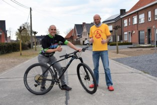 """Veertigers lopen en fietsen steile helling ruim honderd keer op en af: """"Het kan niet zwaar genoeg zijn"""""""