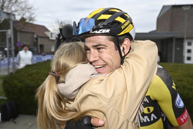"""Wout van Aert wel degelijk winnaar van de Amstel Gold Race: """"Ik durf het niet te geloven maar ze zeggen van wel"""""""