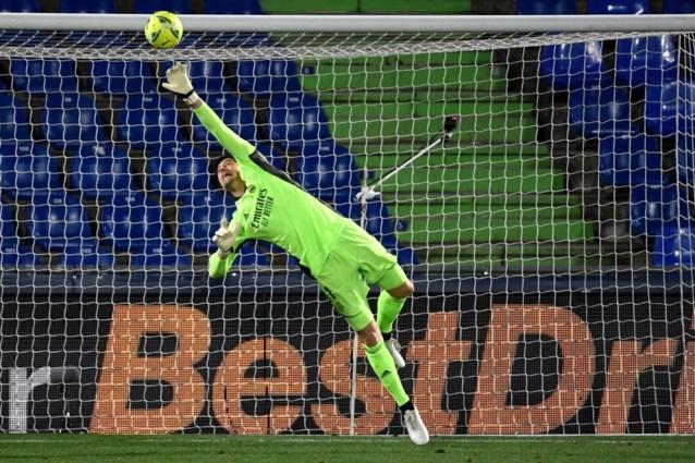 Thibaut Courtois keept opnieuw zeer sterke match, maar Real Madrid verliest terrein op leider Atlético na flauw gelijkspel