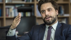 """MR botst frontaal met minister Vandenbroucke: """"De terrassen gaan open op 8 mei. Dat garanderen wij"""""""