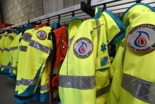 Twintiger levert zelfgemaakte drugs verkleed als ambulancier