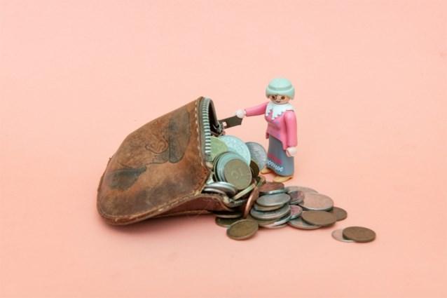 """Vakbonden en werkgevers bereiken akkoord over hogere uitkeringen. """"Minimumpensioen van 1500 euro binnen bereik"""""""