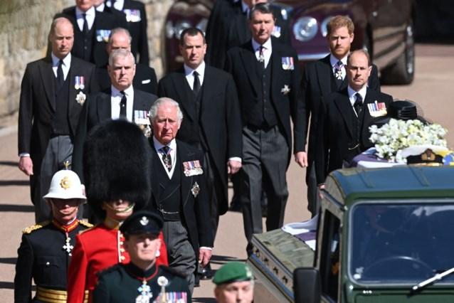 Prins Charles had gesprek van twee uur met William en Harry