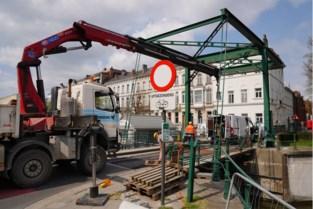 Fietsers en voetgangers moeten zes weken ommetje maken door werken aan bekende brug