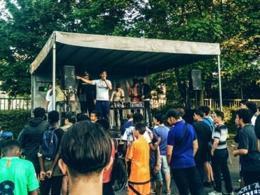 """Vzw blaast jeugdhuis in Sint-Amandsberg nieuw leven in: """"Er is weinig te beleven voor jongeren in de wijk"""""""