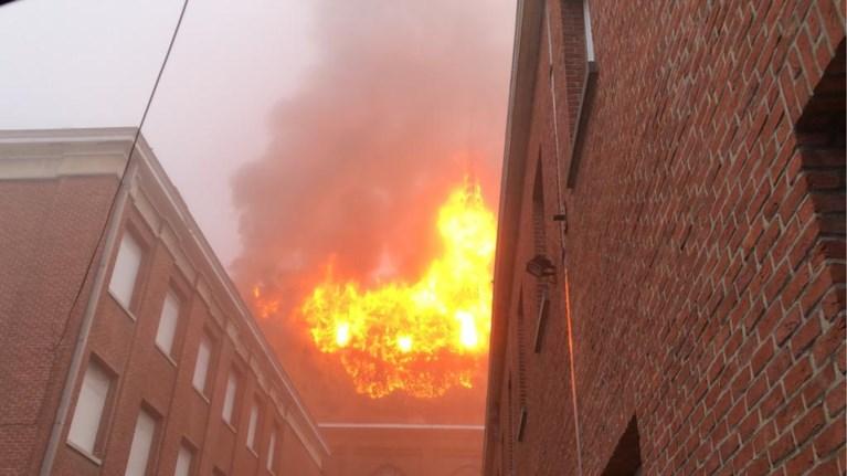 Zware brand in kapel van school in Heule: zusters geëvacueerd, school blijft dicht