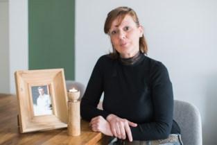 """Moeder van verongelukte Jens (20): """"Door die ene foto kan ik nu geen gelukkige zoon meer voor me zien"""""""