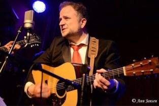 """Vlaamse gitarist Yves Aerts (45) verdrinkt met vriendin in Zweden: """"Dit voelt oneerlijk aan"""""""