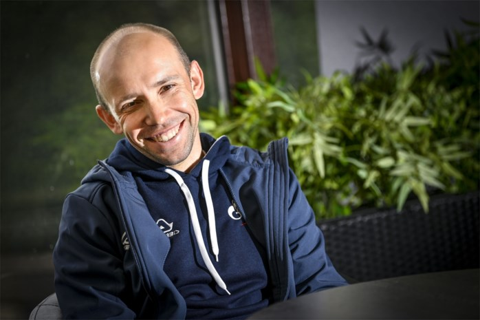 """Rus Ivan Rovny eindigt als laatste in de Amstel Gold Race: """"Ooit in Sint-Petersburg geweest? Dat is dus zo plat als een pannenkoek"""""""