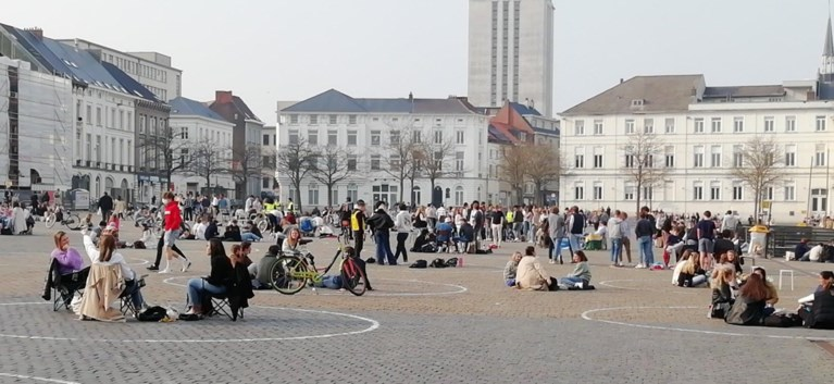 Lenteweer lokt volk en politie naar Sint-Pietersplein en Citadelpark, maar avond loopt rustig