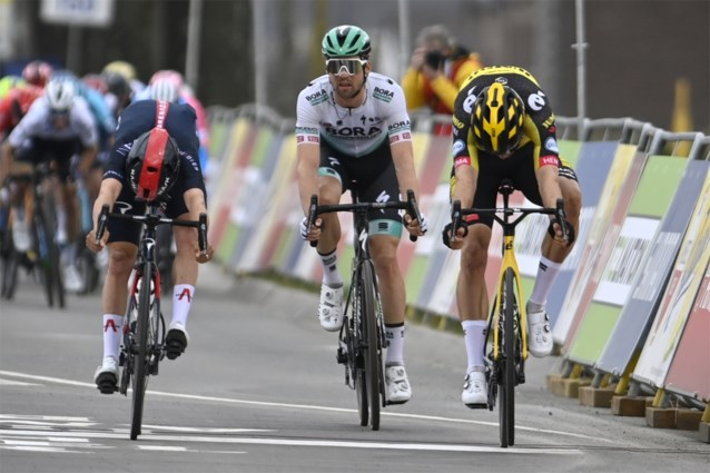 Tom Pidcock zaait twijfels over finishfoto Amstel Gold Race (maar trekt zijn staart snel weer in)