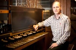 Beiaardier stuurt muziek van Paul Severs op Erfgoeddag coronaproof door zijn thuisstad