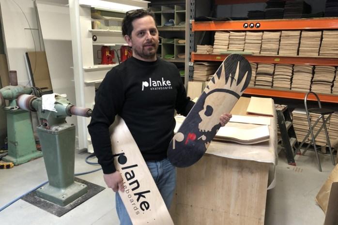 """Schrijnwerker Charlie (42) werkte twee jaar lang aan het 'perfecte' skateboard: """"Hopelijk vind je mijn Planke straks over heel België"""""""