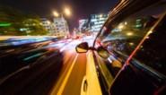 """Vluchtende straatracer (23) riskeert jaar cel nadat hij inspecteur aanrijdt: """"Trauma opgelopen"""""""