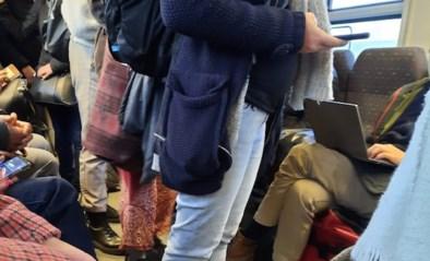 """Reizigers kritisch over bomvolle ochtendtrein: """"in Landen was het al niet meer mogelijk om voldoende afstand te houden"""""""