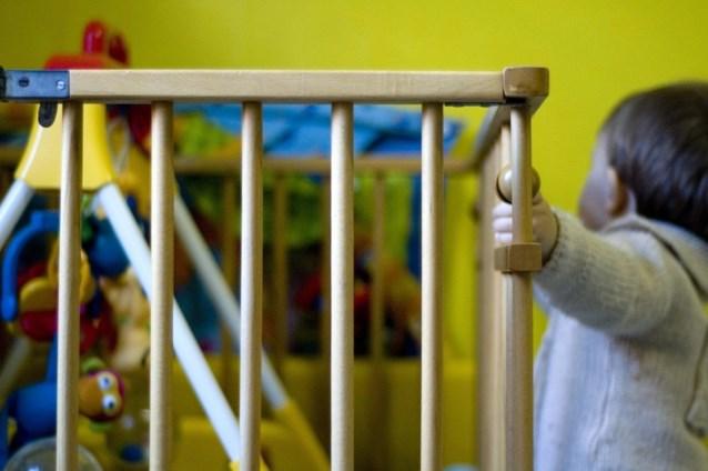 """Ouders vragen vrijspraak voor gebroken dijbeen van driejarig dochtertje: """"Ze heeft ADHD en een hoge pijngrens"""""""