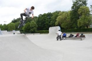 Zone De Bres wordt park met sport en recreatie rond opengelegde Zenne, alleen ondergrondse parking baart nog zorgen