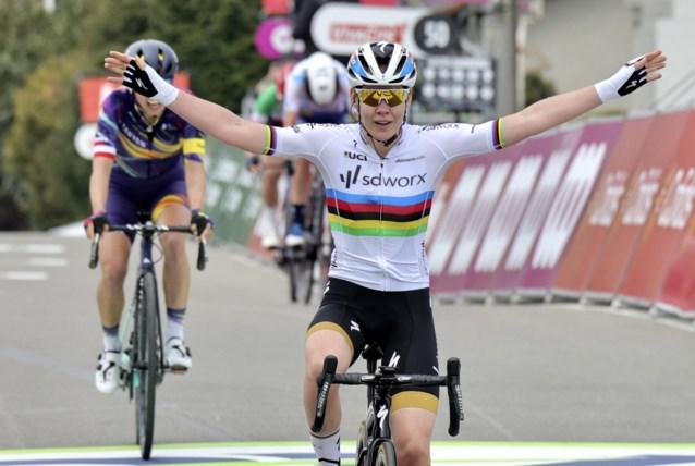 Anna van der Breggen doet het opnieuw: wereldkampioene wint Waalse Pijl voor de zevende (!) keer op rij