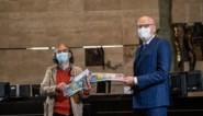 """Gouverneur lanceert verkoop Rode Kruis-stickers: """"2020 was rampjaar"""""""
