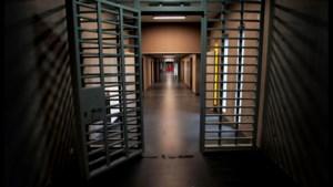 """Minister Wouter Beke: """"Gevangenen krijgen zo snel mogelijk hun vaccin"""""""