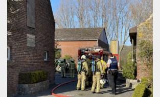 """Brandweer rukt uit naar brand bij varkensstal: """"Er waren knallen te horen"""""""