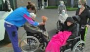 Bewoners woonzorgcentrum Immaculata wandelen marathon