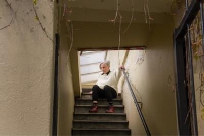 """Organisaties willen af van 'onmenselijke' controles bij ouderen: """"Dwing hen niet hele leven in lockdown te blijven"""""""