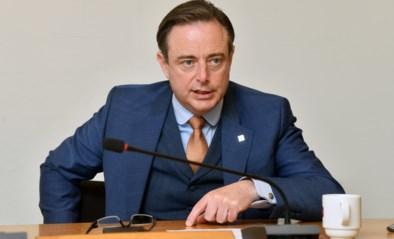 Burgemeester Bart De Wever wil de terrassen open tot 23 uur