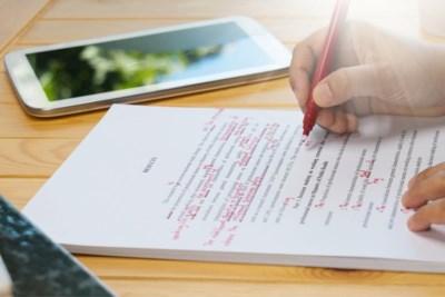 Dit artikel zal pijn doen aan de ogen van taalpuristen: grammaticaregels voor het eerst in 24 jaar aangepast