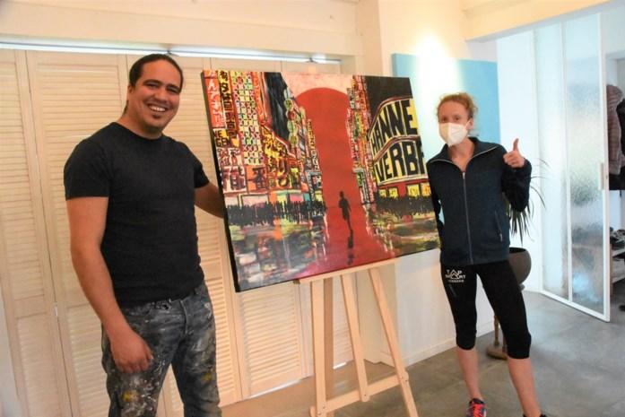 """Kunstenaar veilt werk om marathonloopster naar Tokio te helpen: """"Een Olympisch atleet die mattentaarten moet verkopen? Absurd gewoon"""""""