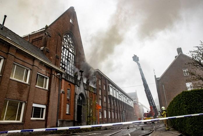 """Door brand beschadigde school zal toch pas maandag openen: """"Geen enkel risico nemen"""""""