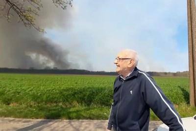 Paardenstallen ontruimd uit schrik voor het vuur, landbouwers zijn woest