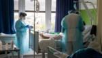 Minder besmettingen en overlijdens, ziekenhuisopnames blijven stabiel