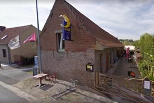 Zaakvoerder van restaurant d'Halve Maene krijgt zes maanden cel voor zwartwerk