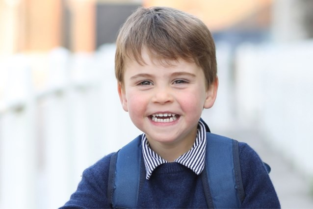 Prins Louis is drie jaar en daar hoort een nieuwe foto bij