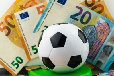 Enorme belastingvoordelen voor clubs en spelers, maar hoeveel zou je zelf overhouden als je profvoetballer was?