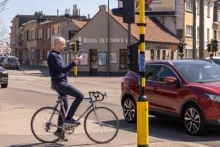 """Als fietser oversteken aan 't Mestputteke? """"Neem zeker een boek mee"""""""