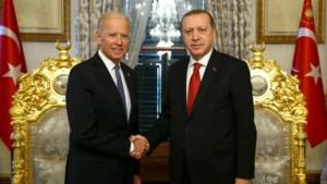 """Biden gaat Armeense genocide tijdens WO I erkennen na gesprek met Erdogan die de massamoord dan weer een """"leugen"""" noemde"""