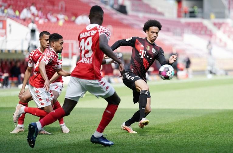 Zwak Bayern moet titelfeest nog even uitstellen na 2-1-nederlaag bij Mainz, Dortmund wint belangrijk duel in Wolfsburg