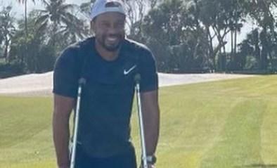 """Tiger Woods op krukken na auto-ongeval: """"Herstel verloopt langzaam"""""""