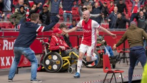 """Ajax is 'officieus' kampioen na zege in topper tegen AZ: """"Als dit nog fout gaat, stop ik met voetballen"""""""