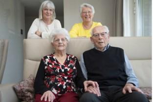 """Elza (99) viert verjaardag aan zijde van Maurits (100) met wie ze al 78 jaar gehuwd is: """"Ons geheim? We hebben altijd geleefd zonder stress, en gekookt met groenten uit de tuin"""""""