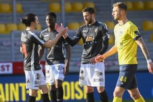 Deinze pakt een onverhoopt punt tegen kampioen Union Sint-Gillis