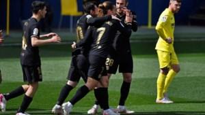 FC Barcelona blijft in titelstrijd dankzij heerlijk stiftertje van Antoine Griezmann