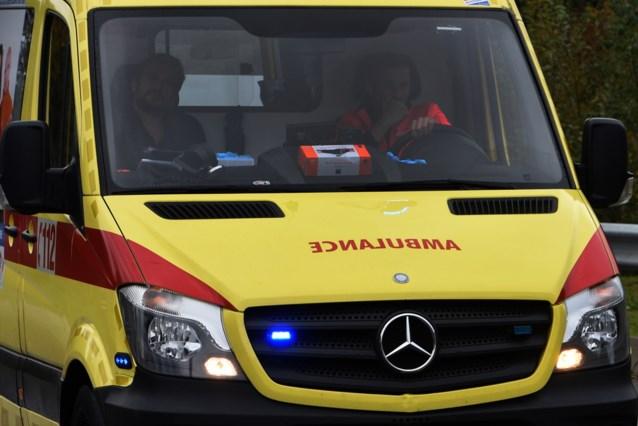 Bromfietssters lichtgewond na aanrijding in Borgloon
