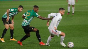 """Invalbeurt Eden Hazard doet hopen: """"Hij zal nog belangrijk zijn voor Real dit seizoen"""""""