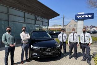 """Grootste politiezone van West-Vlaanderen koopt eerste hybride wagen: """"Dit voertuig kan snel de achtervolging inzetten"""""""