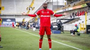 Didier Lamkel Zé stemt drie keer op zichzelf als Profvoetballer van het Jaar