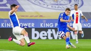 Scorende Castagne heeft groot aandeel in belangrijke zege van Leicester City tegen Crystal Palace van Benteke