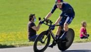 Rohan Dennis wint proloog in Ronde van Romandië, INEOS Grenadiers palmt volledig podium in